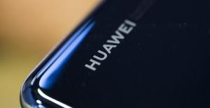 Huawei'nin Kurucusu Zhengfei, 30 milyar dolarlık düşüş olur